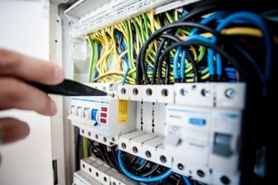 mantenimiento de instalaciones electricas